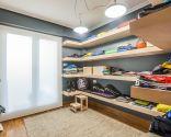 Convertir habitación en vestidor con baldas