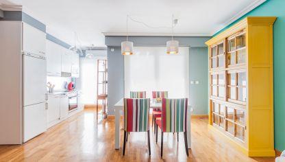Integrar salón comedor colorido con cocina - Decogarden