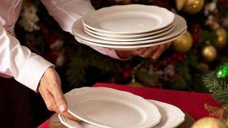 Decoración tradicional para una mesa de Navidad