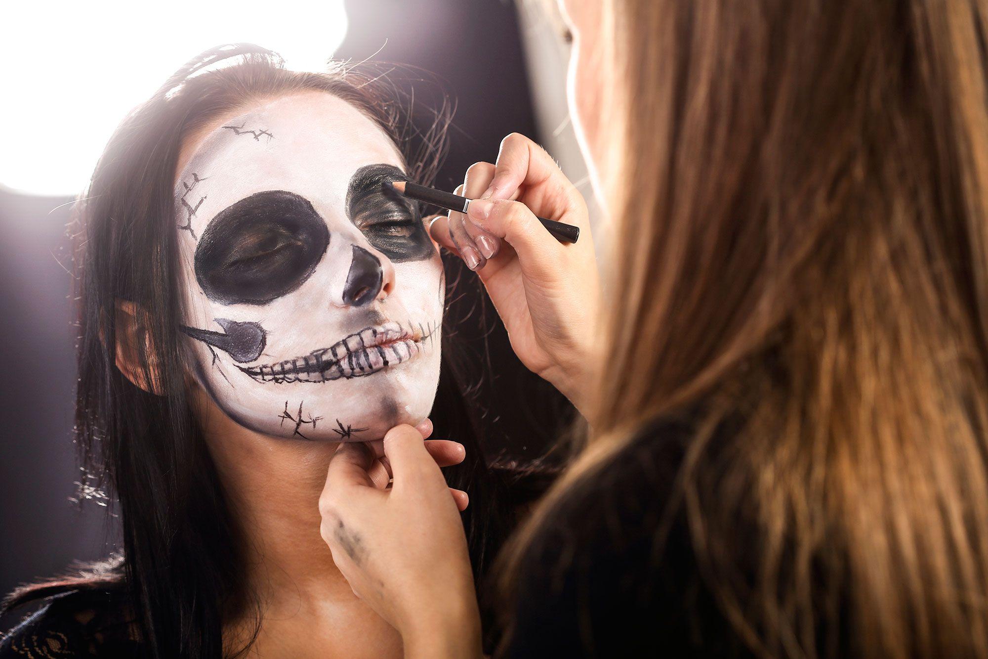 Maquillaje De Catrina Consigue El Look De Calavera Mexicana