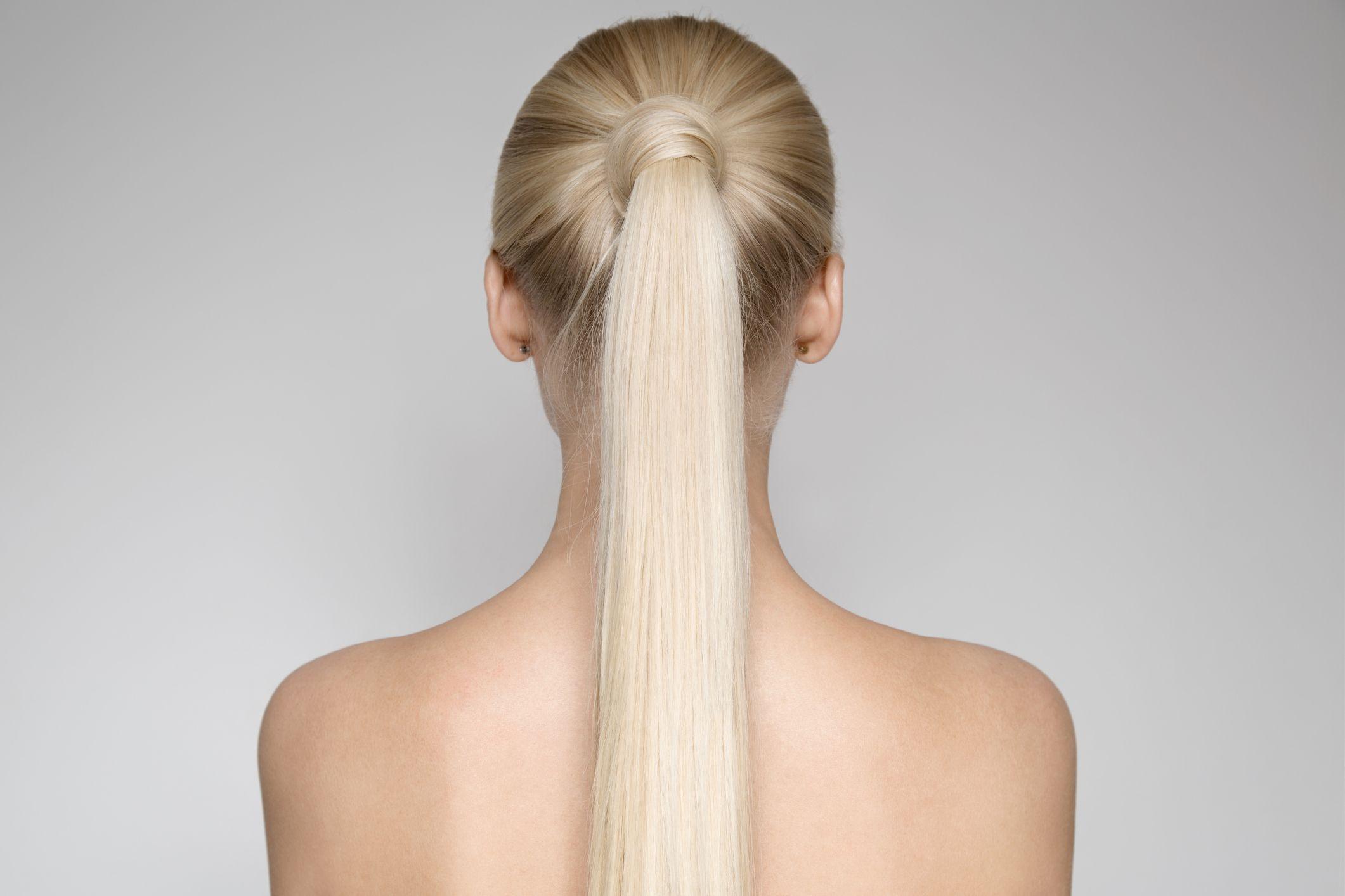 Peinado coleta lisa