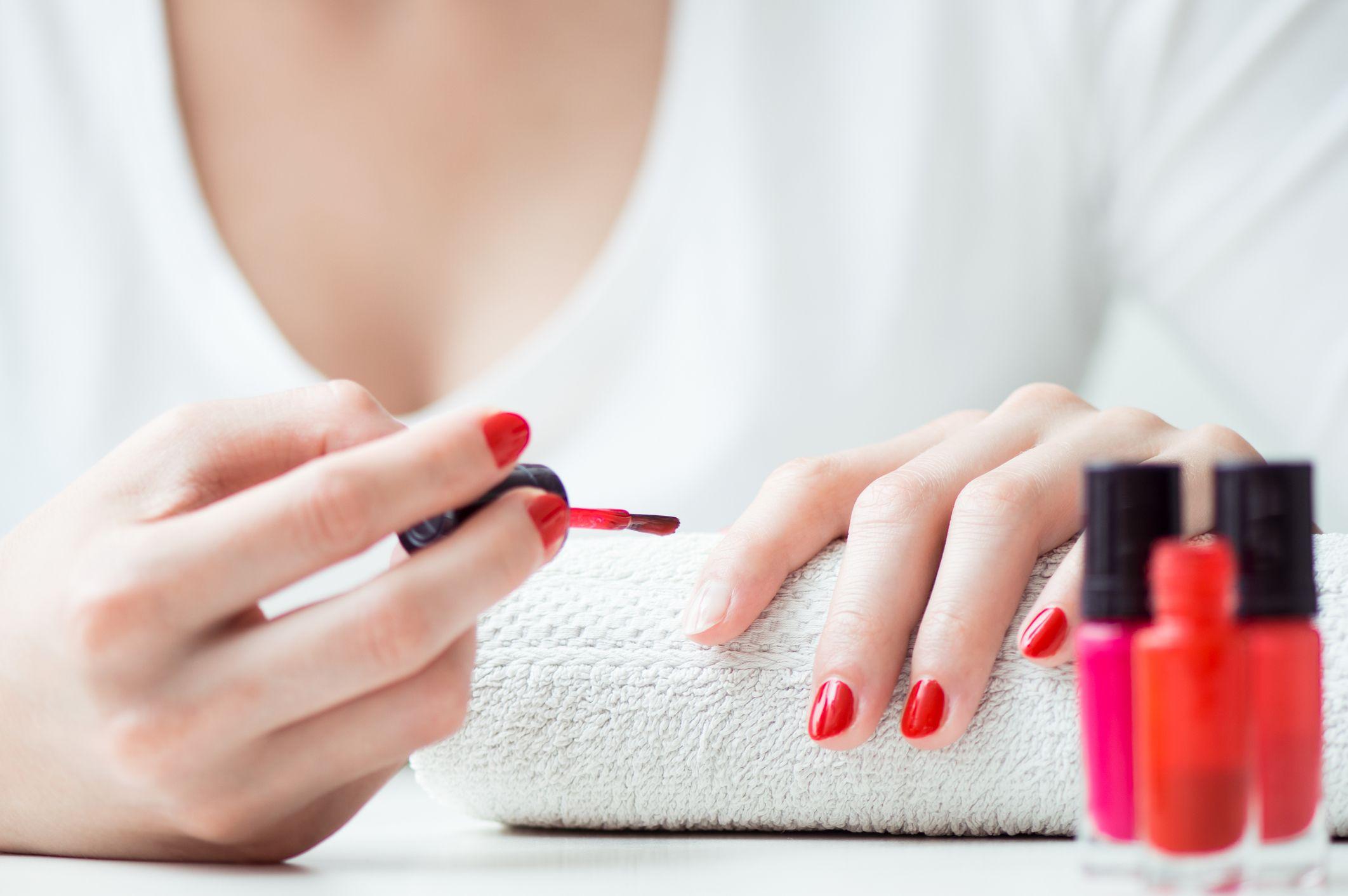 Pintar las uñas