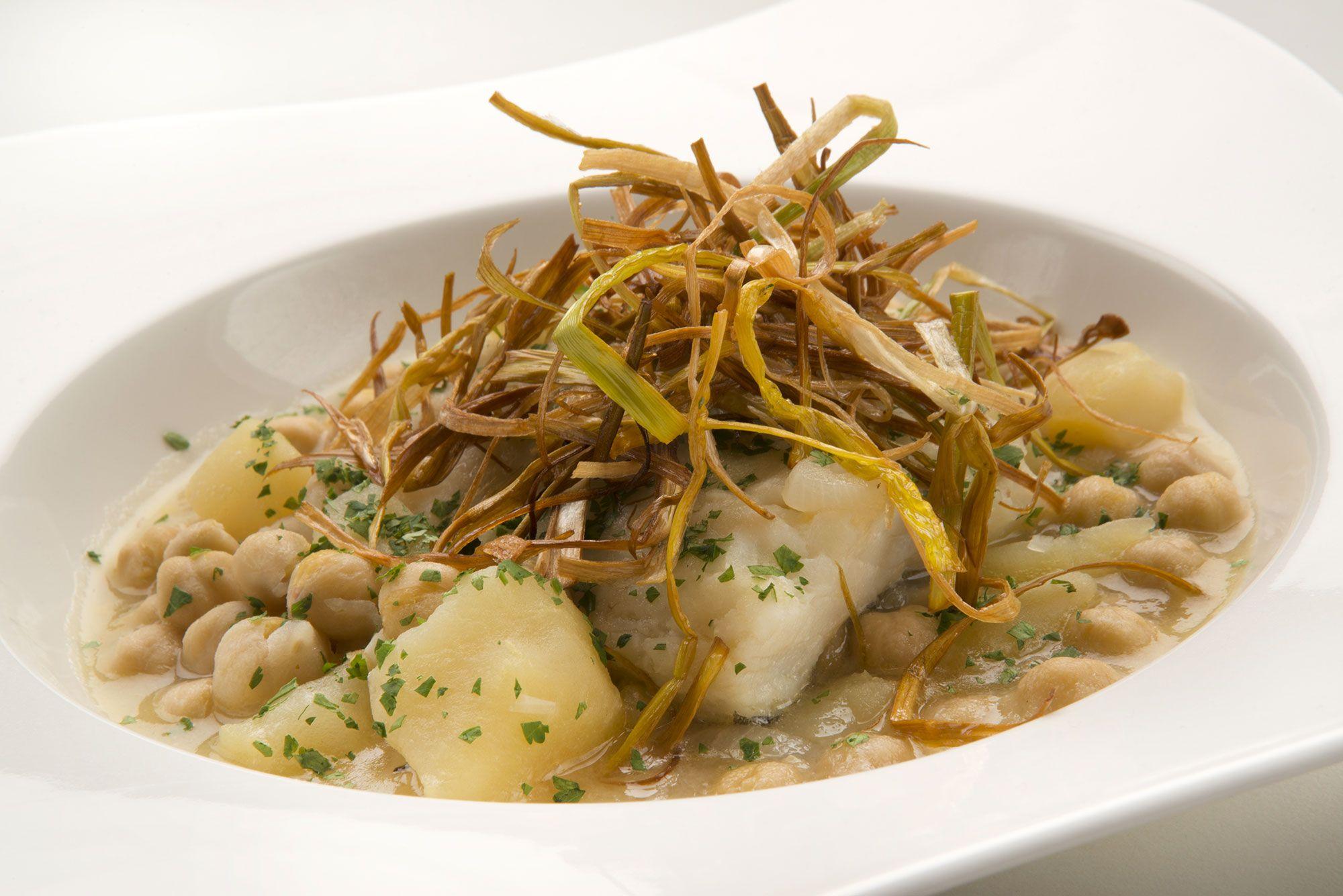 Las recetas de karlos argui ano del 30 de octubre al 3 de - Bacalao con garbanzos y patatas ...