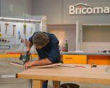 Cómo hacer un botellero de pared con una barrica