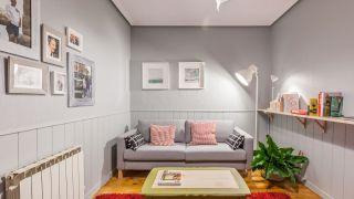 Sala cálida y acogedora en gris