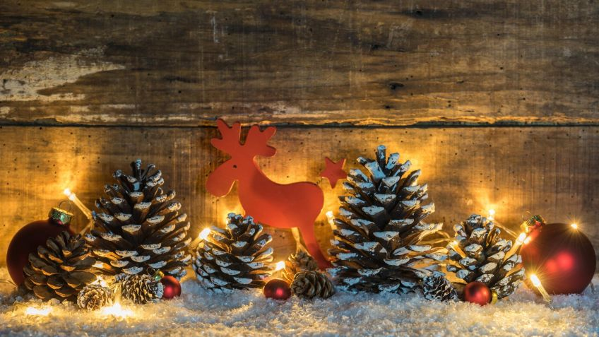Adornos Con Pias Para Navidad. Top La Idea De Meter Las Pias En ...