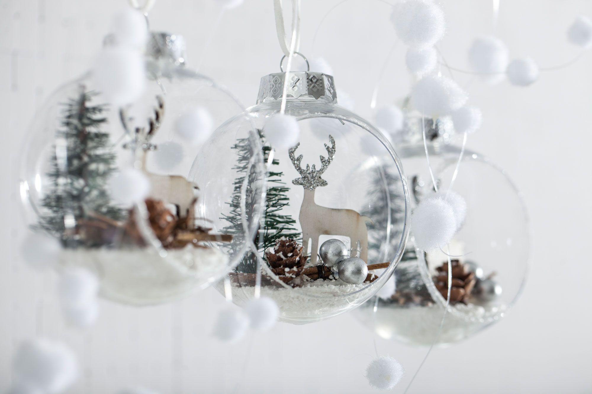 Decoración navideña blanca