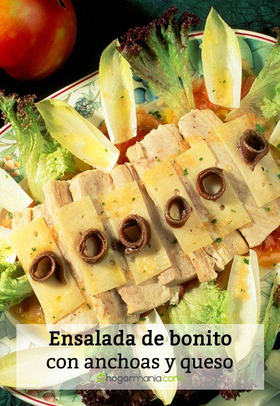 Ensalada de bonito fresco con anchoas y queso
