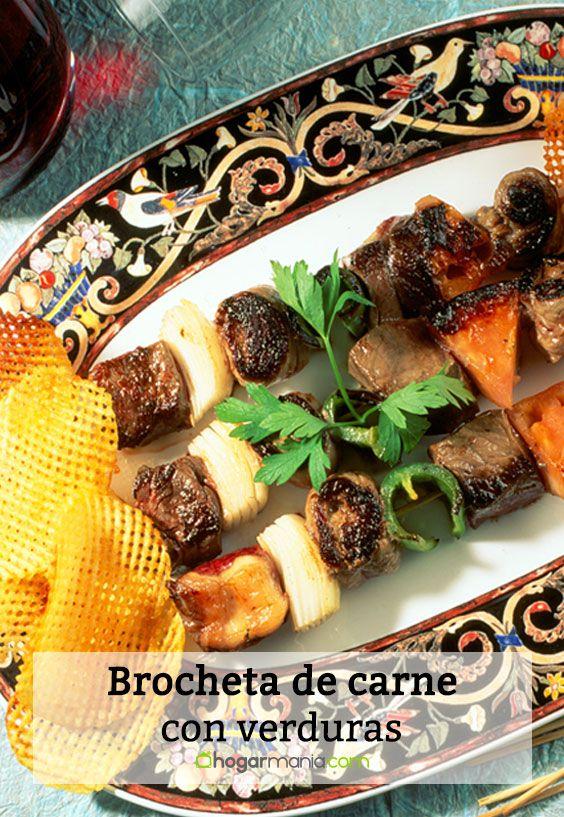 Brocheta de carne con verduras