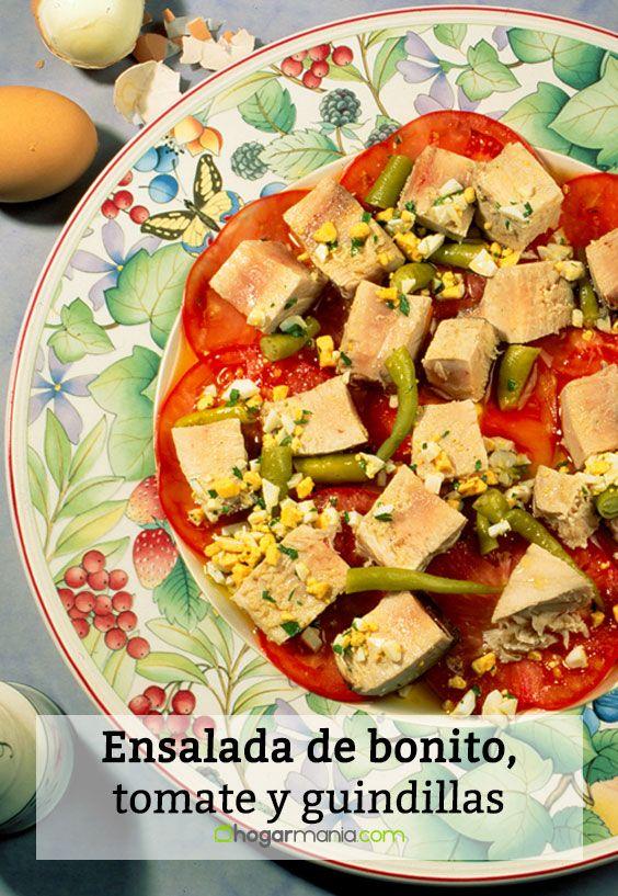 Ensalada de bonito, tomate y guindillas