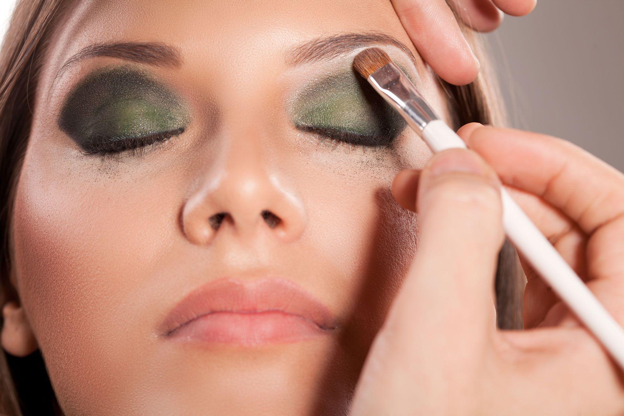c6c1f2c2b Maquillaje de ojos ahumado en verde - Hogarmania