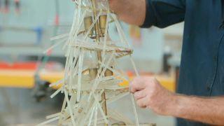 Cómo hacer un abeto de Navidad con aros de madera