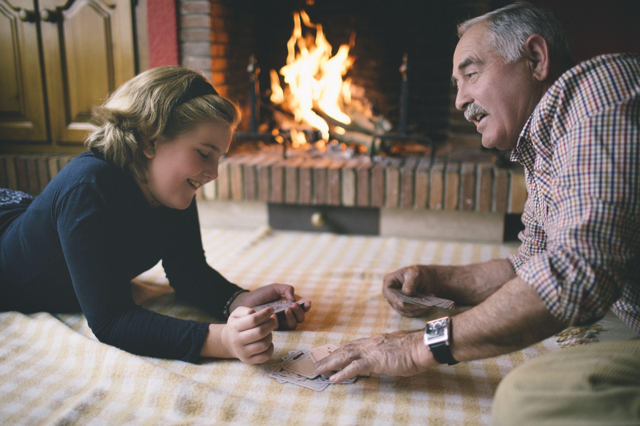 jugar a las cartas en navidad
