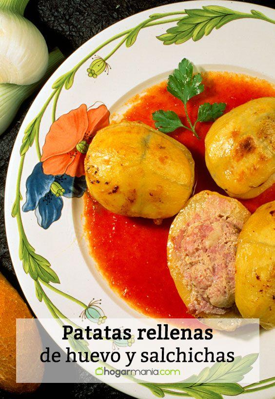 Patatas rellenas de huevo y salchichas