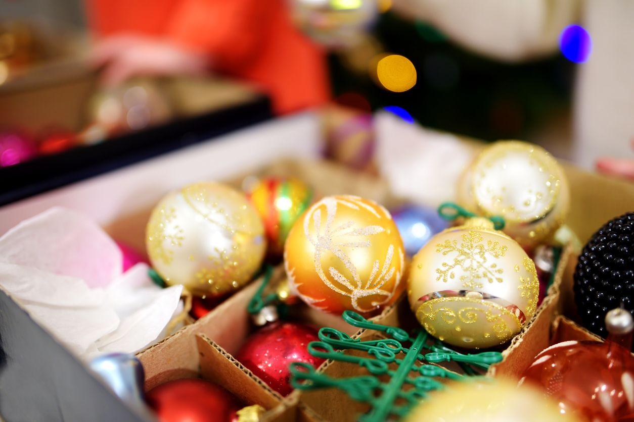 Cómo recoger la decoración navideña