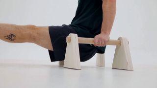 Hacer paralelas de pilates