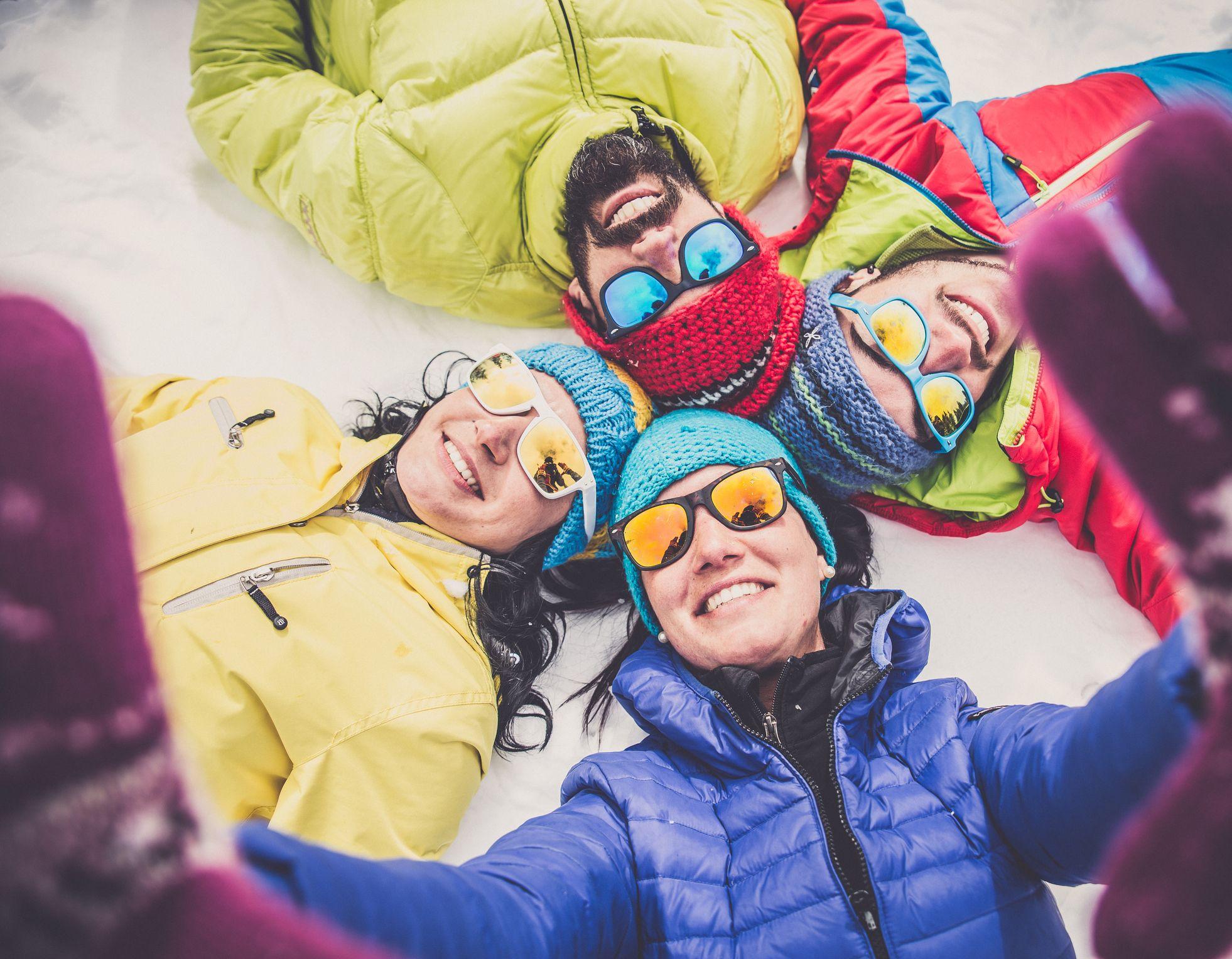capas en la ropa de esquiar