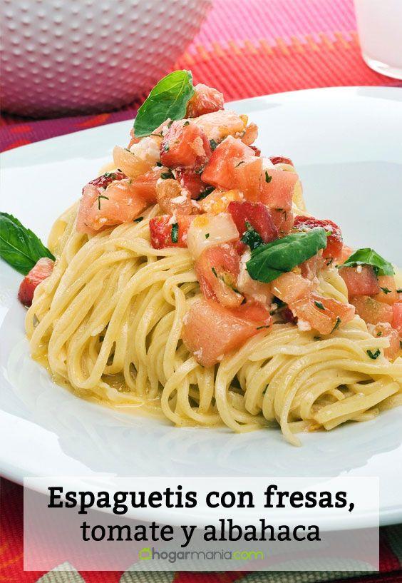 Receta de Espaguetis con fresas, tomate y albahaca