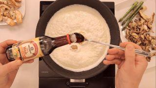 Tiras de pavo y setas con Kikkoman Salsa Wok y nata - Paso 4