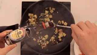 Espaguetis con salsa de tomate y salsa de soja Kikkoman - Paso 5