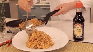 Espaguetis con salsa de tomate y salsa de soja Kikkoman - Paso 8