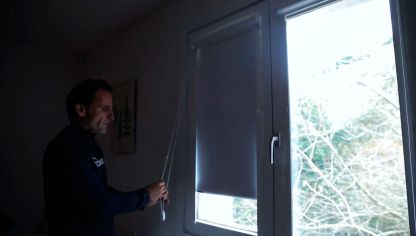C mo colocar una cortina con ondas bricoman a - Como colocar las cuerdas de un estor ...