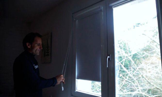 C mo colocar un estor opaco en la ventana bricoman a - Como colocar las cuerdas de un estor ...