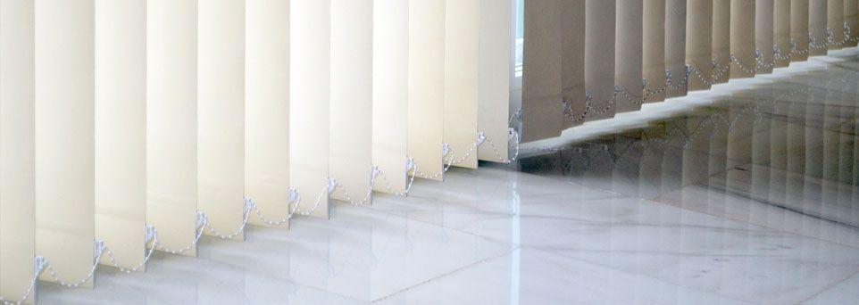 Cortinas verticales para las ventanas