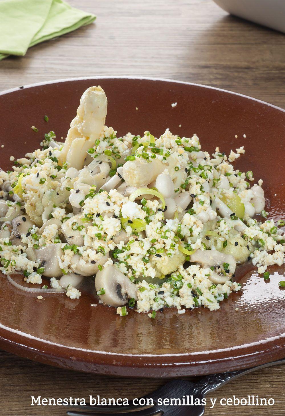 Menestra blanca con semillas y cebollino