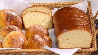 pan y bollos de leche