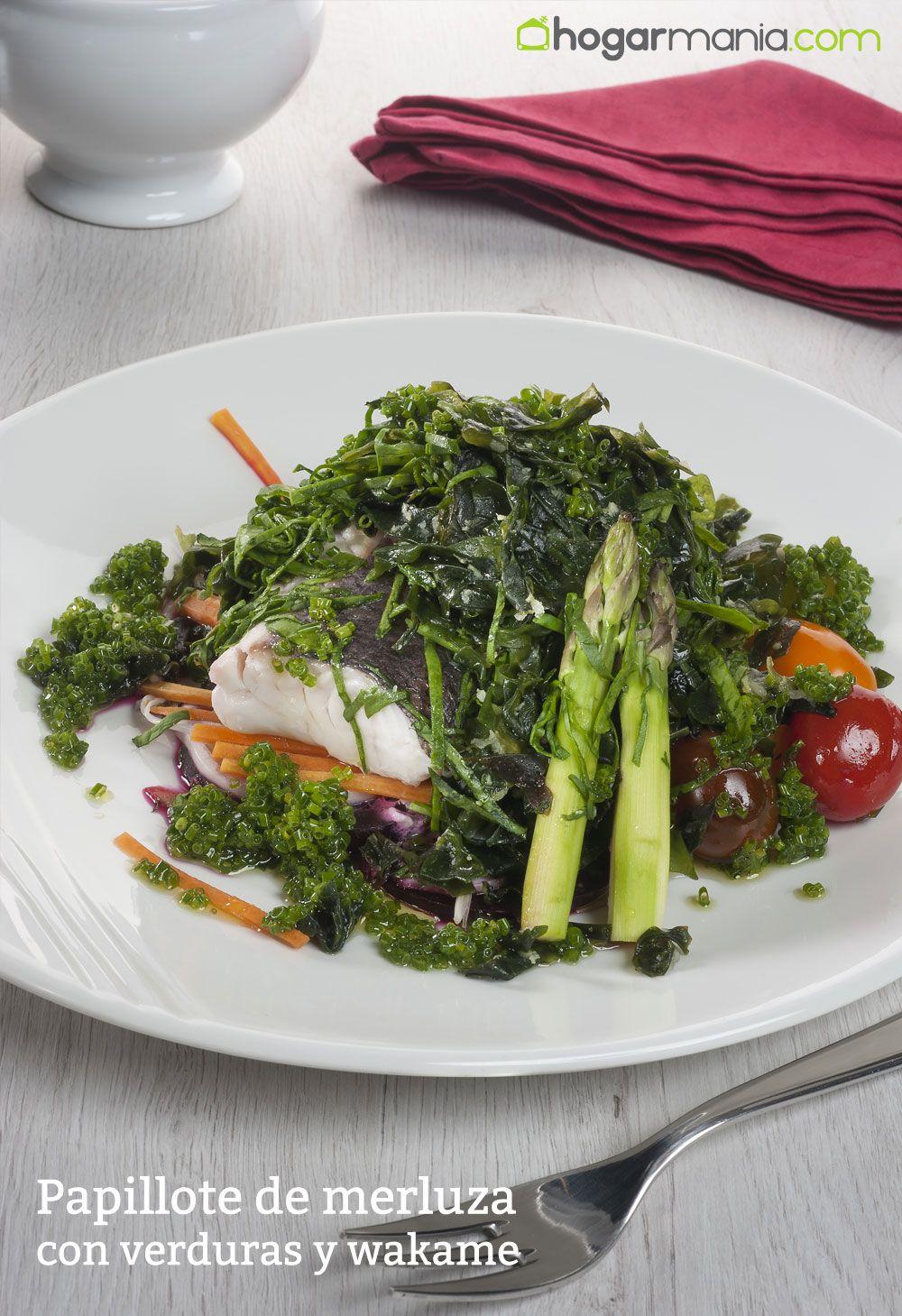 papillote de merluza con verduras y wakame