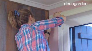 Decorar un dormitorio juvenil rústico en color rosa, ¡con estores de mandalas! - Paso 9