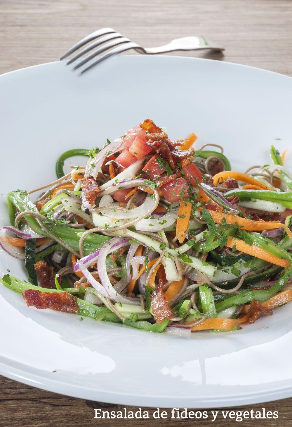 Ensalada de fideos vegetales