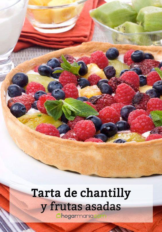Tarta de chantilly y frutas asadas