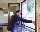Cómo fijar una mosquitera a la ventana - Paso 1