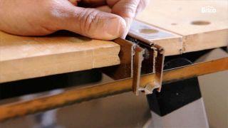 Cómo fijar una mosquitera a la ventana - Paso 3