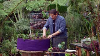 Huerto urbano en contenedores de tela - Compost
