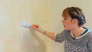 Fijador del papel para unas paredes impecables