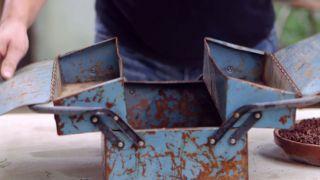 Composición de cactus en una caja de herramientas - Cavidades