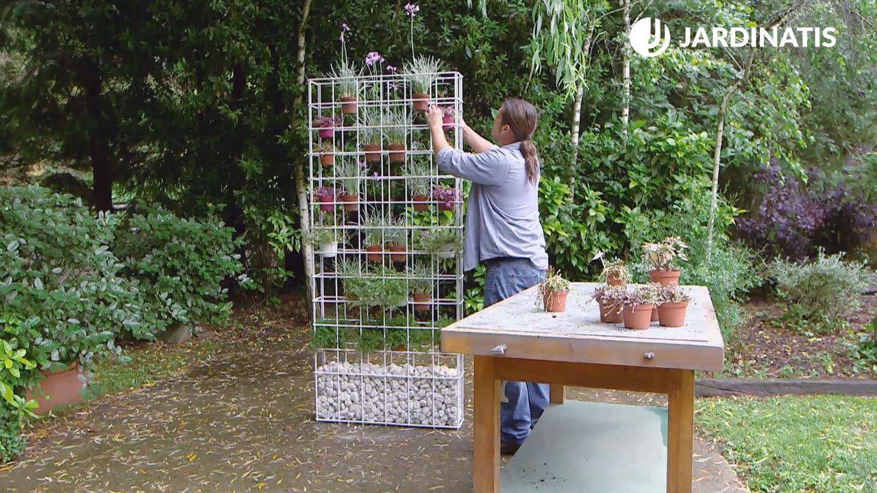 Macetero vertical de plantas crasas y culinarias