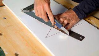 Cómo personalizar una mecedora con pintura - Paso 1