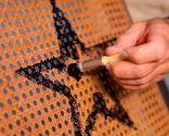 Cómo personalizar una mecedora con pintura - Paso 4