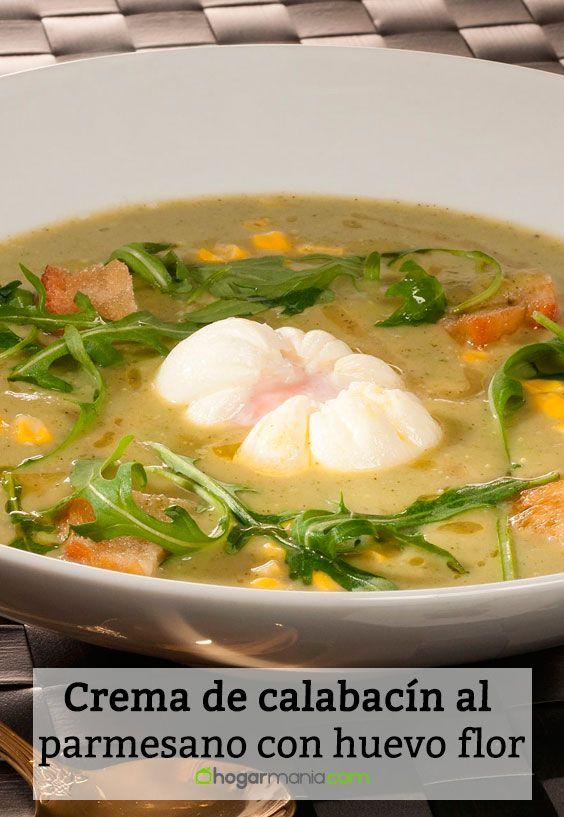 Receta de Crema de calabacín al parmesano con huevo flor