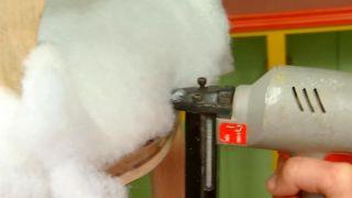 Cómo tapizar una silla - Paso 3
