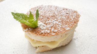 Harina de almendras: beneficios y cómo hacerla - Receta de Bizcocho de almendra