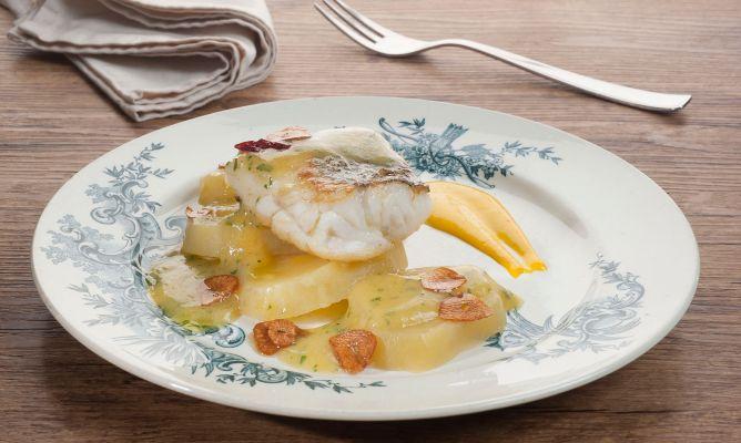 Receta de merluza con alioli de azafr n david de jorge - Escuela de cocina azafran ...
