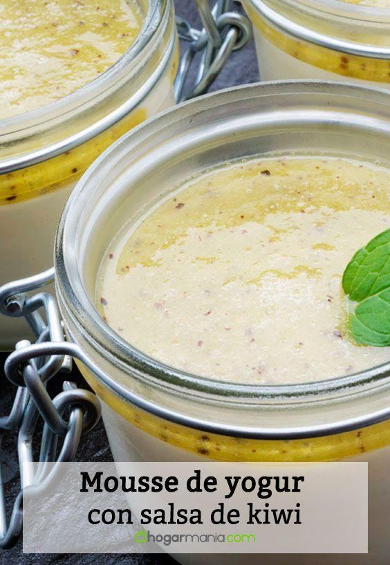 Mousse de yogur con salsa de kiwi