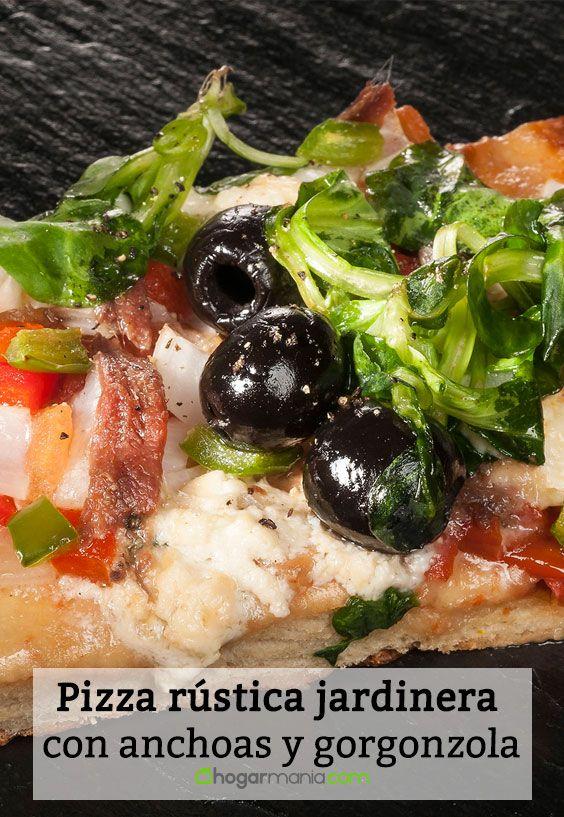 Receta de Pizza rústica jardinera con anchoas y gorgonzola