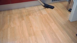 Cómo limpiar suelos de madera, tarimas o parqué - Paso 1