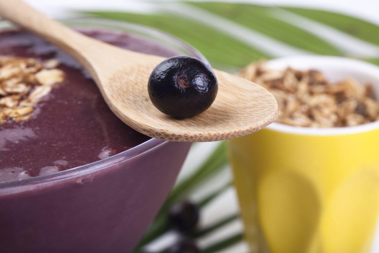El acai es una baya de color púrpura de aspecto similar a una uva y con propiedades muy beneficiosas para la salud.